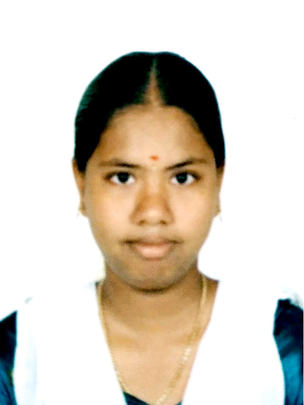 Pavithra M(211301878)BCA-April 2016-Rank 10